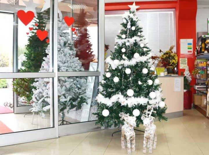 Božićno drvce sa snijegom