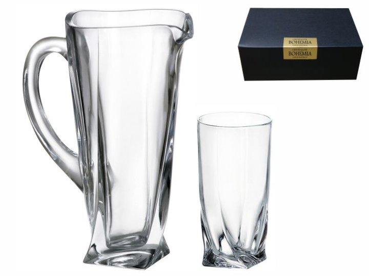 kristalni vrč za sok