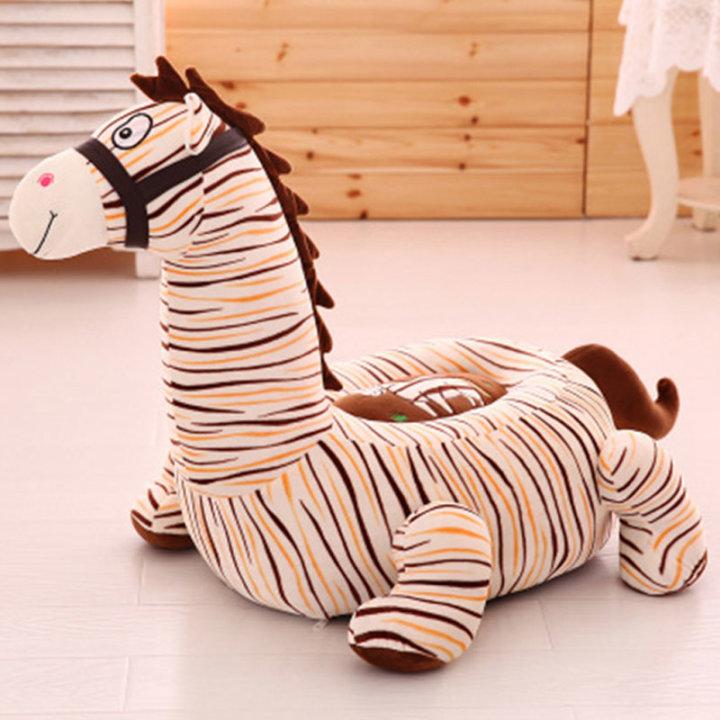 Otroški fotelj zebra plišasti.