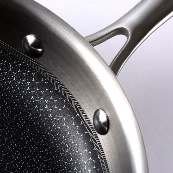Profesionalna ponev Hi - Tech 3 Masterpro, inox, Try-ply tehnologija - 24x4,7 cm