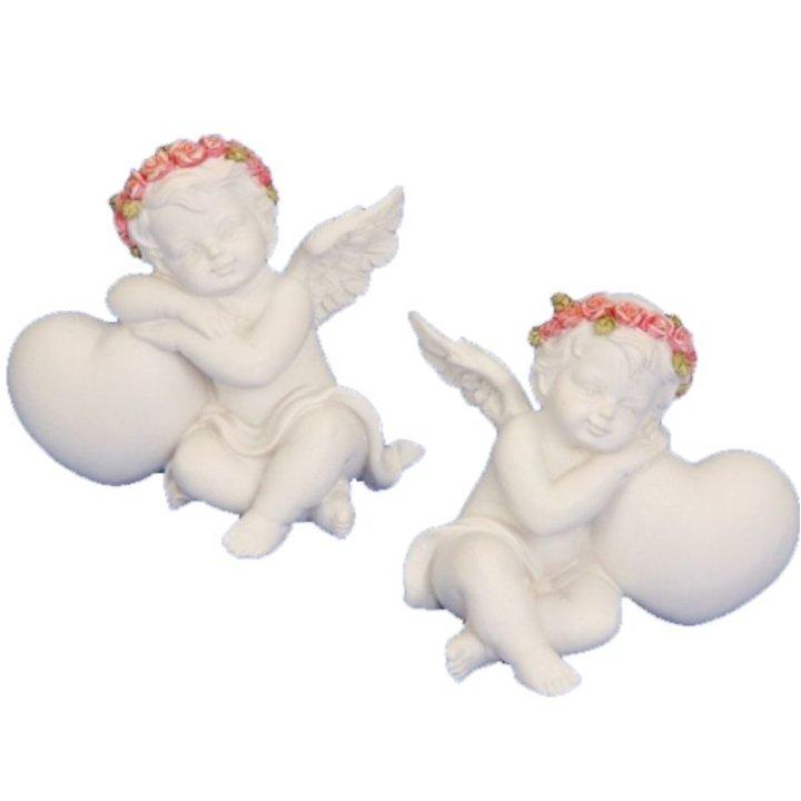 Figura angel s srcem in rožnatim vencom 6x6,5 cm