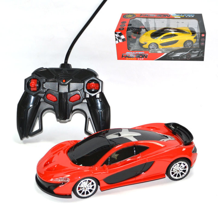 Avto na daljinsko vodenje v škatli 28,5 x 14 x 10,5 cm