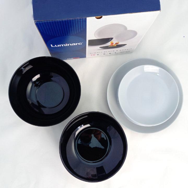 Crno - bijeli tanjuri