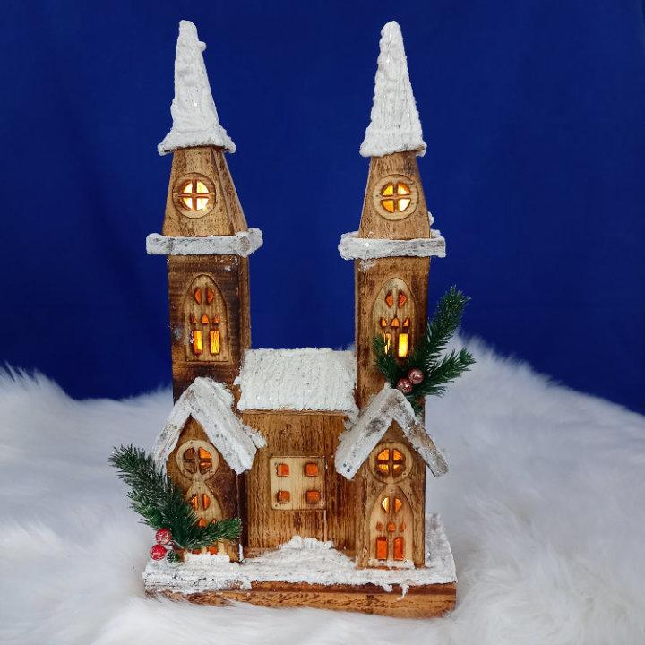 Božićna crkvica dekoracija