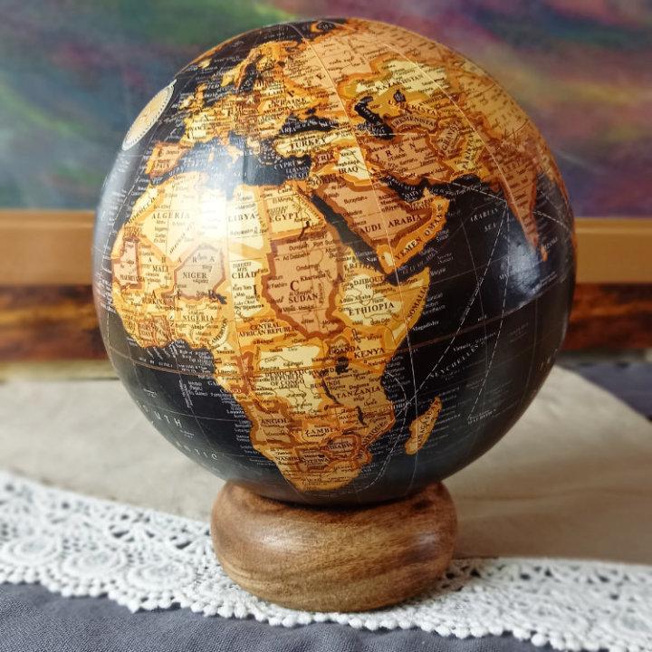 globus drveni
