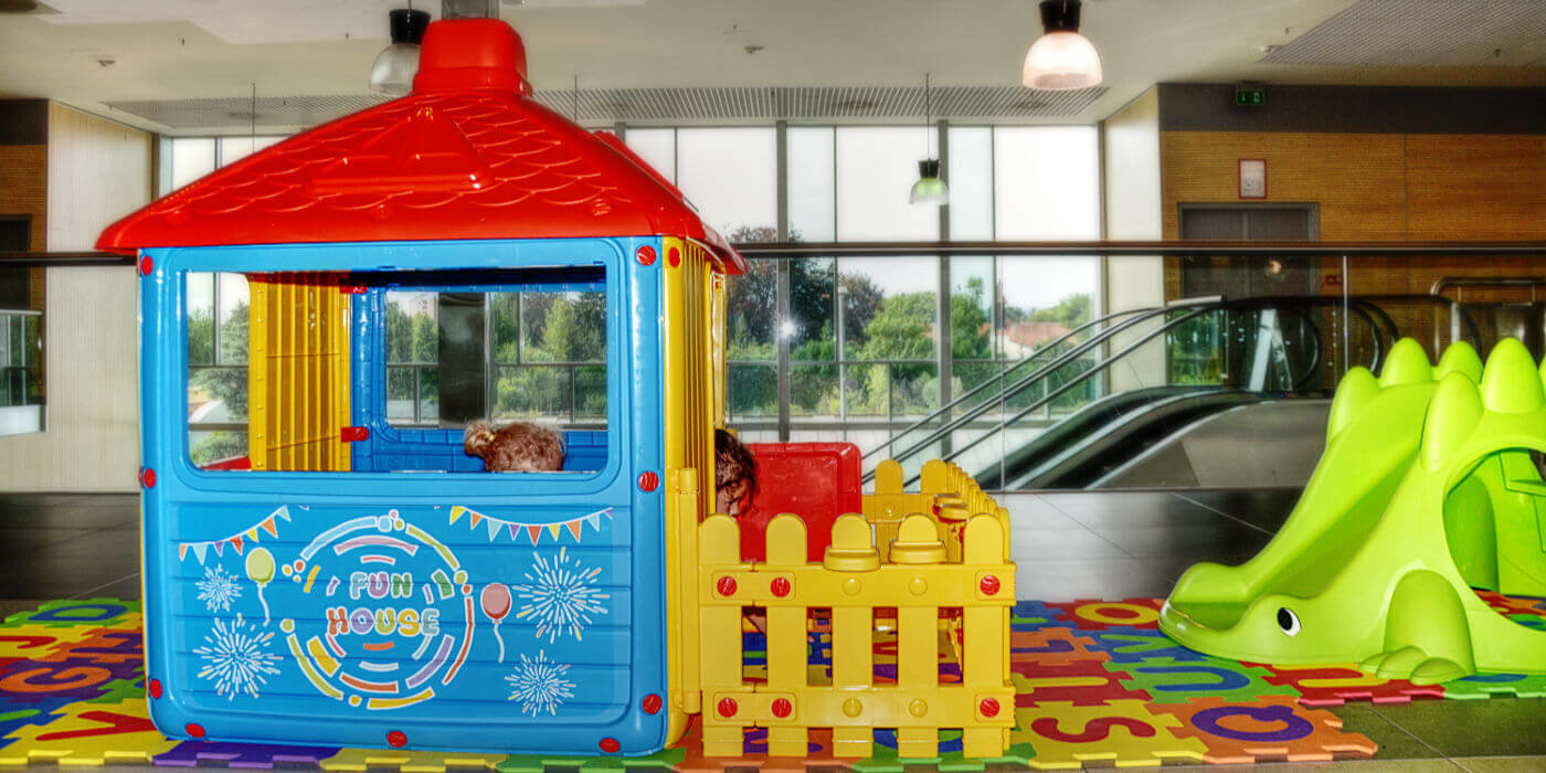 Plastične otroške hiške za igro